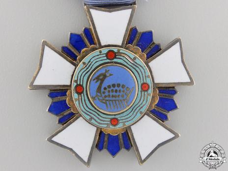 Order of Military Merit, Type III, III Class (Chungmu) Obverse