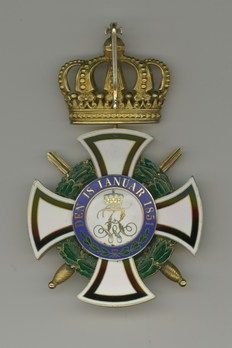 Grand Commander (with swords, in gold) Reverse