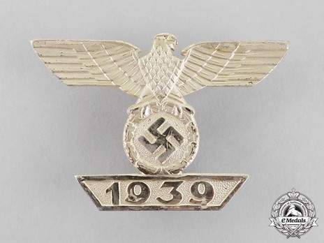 Clasp to the Iron Cross I Class, Type II, by W. Deumer (L/11) Obverse