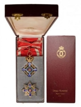 Grand Cross (Civil Division, 1932-1947) Case of Issue Interior and Exterior