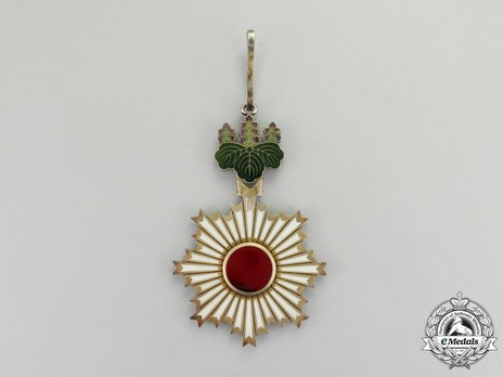 Order of the Rising Sun, II Class Reverse