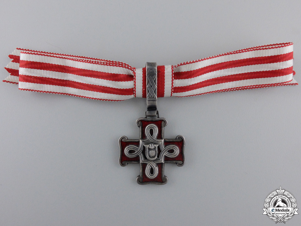 A croatian order 55281c914f950