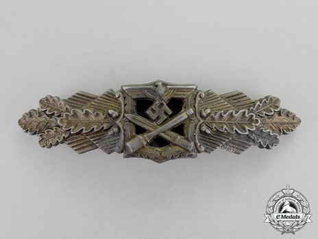 Close Combat Clasp, in Bronze, by F. Linden Obverse
