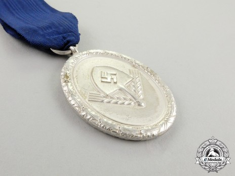RAD Long Service Award, III Class for 12 Years (for Men) Obverse