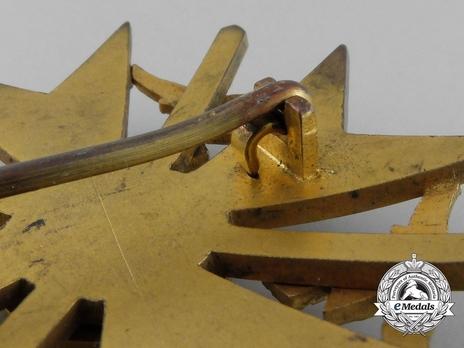 Legion Condor, Spanish Cross in Gold with Swords Detail