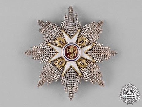 Order of St. Olav, Grand Cross Breast Star, Civil Division Obverse