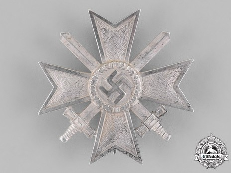 War Merit Cross I Class with Swords, by F. Orth (15) Obverse