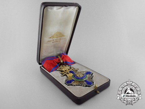 The Order of the Star of Romania, Type I, Military Division, Commander's Cross Case of Issue