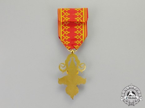 Order of a Million Elephants and the White Parasol, Officer Reverse