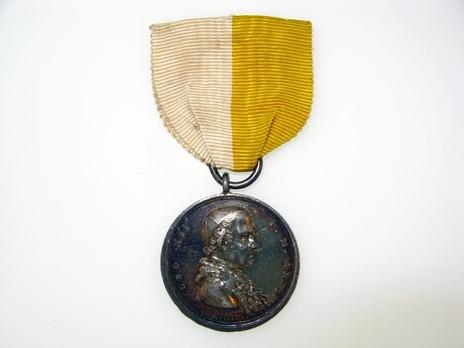 Bene Merenti Medal, Type I Obverse