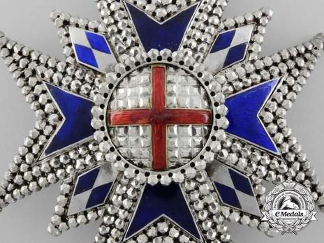 Military Order of St. George, Commander Cross Breast Star Obverse Detail