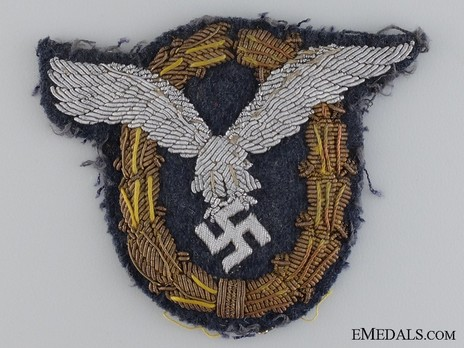 Combined Pilot/Observer Badge (2nd Model), in Cloth (in bullion) Obverse