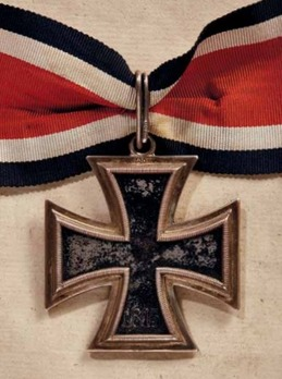 Knight's Cross of the Iron Cross, by C. E. Juncker (800 dot) Reverse