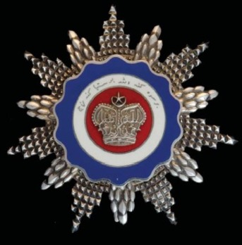 Order of Loyalty to the Crown of Malaysia, Grand Commander Breast Star