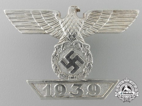 Clasp to the Iron Cross I Class, Type II, by Funcke & Brüninghaus (L/56) Obverse