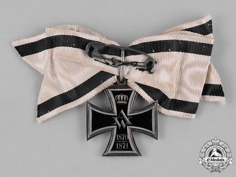 """Cross of Merit for Women and Girls, 1870/1871 (stamped """"GODET 800"""")"""