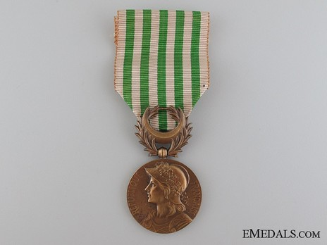 """Bronze Medal (stamped """"GEORGES LEMAIRE"""" """"E M LINDAUER"""") Obverse"""