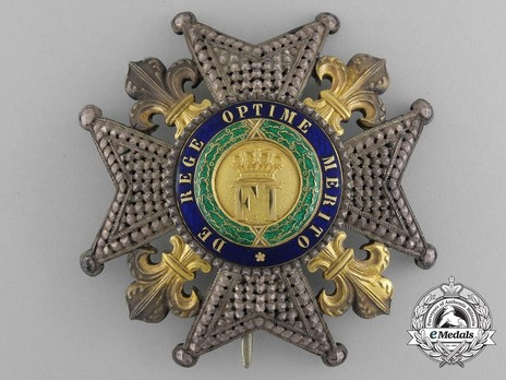 Royal Order of Francis I, Commander Breast Star Obverse