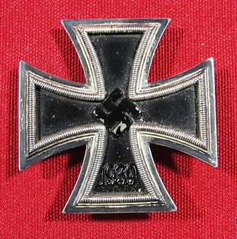 Iron Cross I Class, by B. H. Mayer (L/18) Obverse