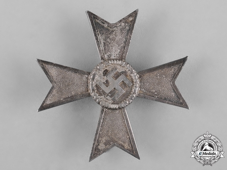 War Merit Cross I Class without Swords, by F. Orth (15) Obverse