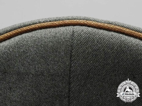 German Army General's Post-1943 Visor Cap (with cloth insignia) Piping Detail