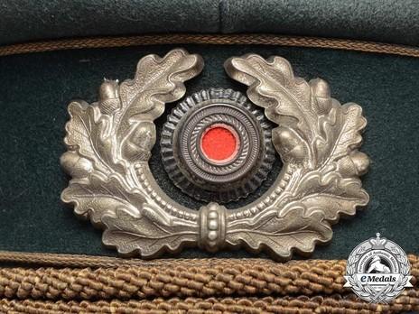 German Army General's Pre-1943 Visor Cap (with metal insignia) Wreath & Cockade Detail