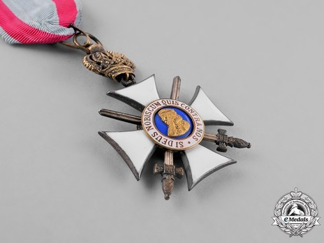 I Class Knight's Cross with Swords (with crown) Obverse