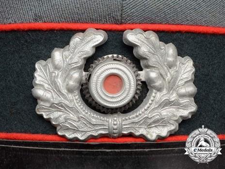 German Army Artillery & Ordnance NCO/EM's Visor Cap Wreath & Cockade Detail