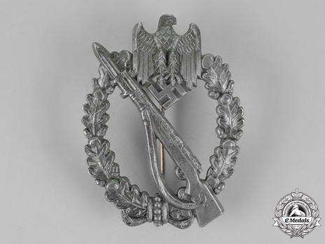 Infantry Assault Badge, by W. Redo Obverse