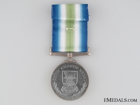 Medal (for service in combat zone, with rosette) Reverse