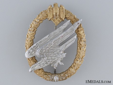 Army Paratrooper Badge, by C. E. Juncker (in aluminum) Obverse