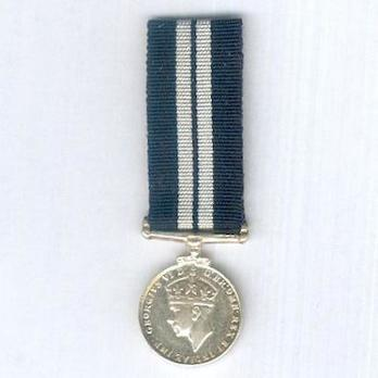 Miniature Silver Medal (1937-1949) Obverse