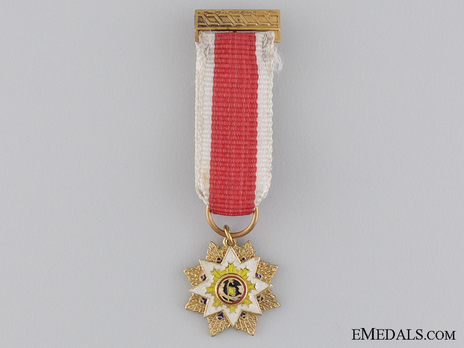 Order of the Cloud and Banner, I Class Sash Badge Obverse