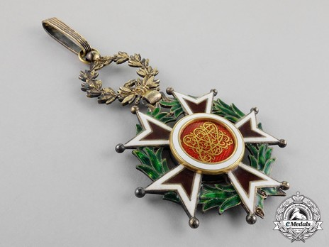 Order of the Brilliant Star of Zanzibar, Type III, II Class Officer Obverse