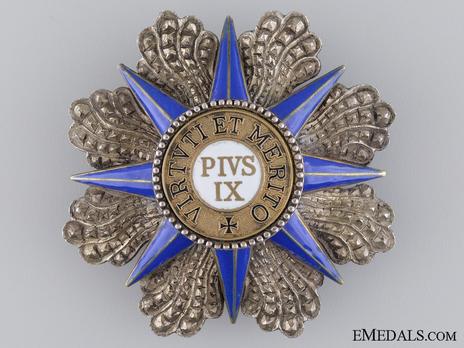 Order of Pius IX, Grand Commander Breast Star Obverse