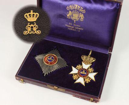 Grand Commander Case Interior