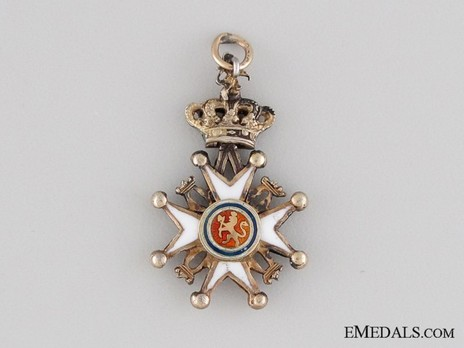 Miniature Order of St. Olav, Knight II Class, Civil Division Obverse