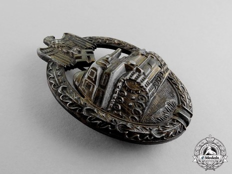 Panzer Assault Badge, in Bronze, by R. Karneth Obverse