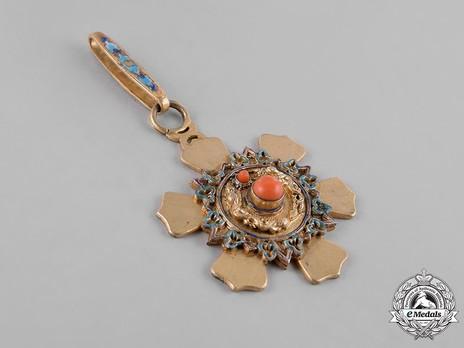 Order of the Double Dragon, Type II, I Class, III Grade Sash Badge Obverse
