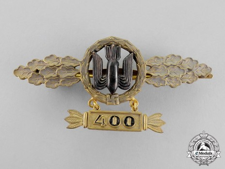 "Bomber Clasp, in Gold (with ""400"" pendant) Obverse"