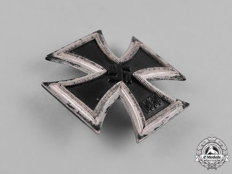 Iron Cross I Class, by Steinhauer & Lück (pin marked 4 & L/16) Obverse