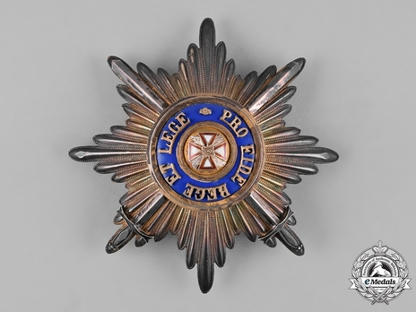 Order of the White Eagle, Type II, Military Division, Breast Star (in gold, with swords)