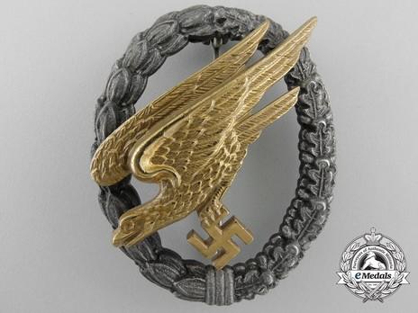 Luftwaffe Paratrooper Badge, by Gebrüder Wegerhoff (black wreath) Obverse
