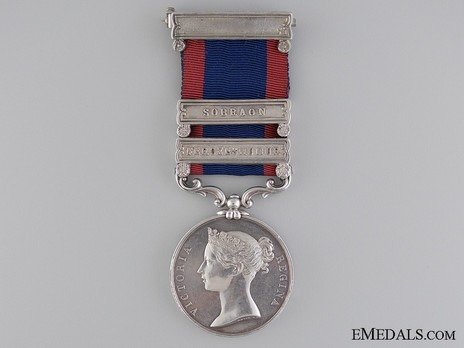 Silver Medal (for the Battle of Moodkee, with 2 clasps) Obverse