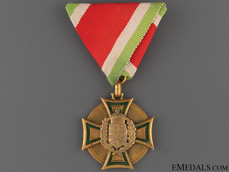 Crew Long Service Decoration (for Officers) Obverse
