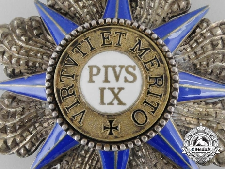 Grand Cross Breast Star (with silver and silver-gilt) Obverse Detail