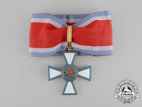 Order of Merit of the Grand Duchy of Luxembourg, Commander Obverse with Ribbon