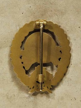 Legion Condor Tank Badge, in Gold Reverse