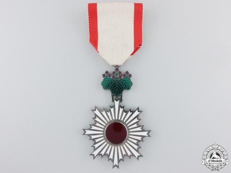 Order of the Rising Sun, VI Class Obverse