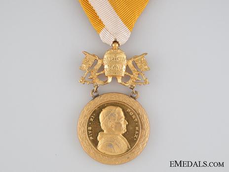 Bene Merenti Medal, Type VII, Gold Medal Obverse